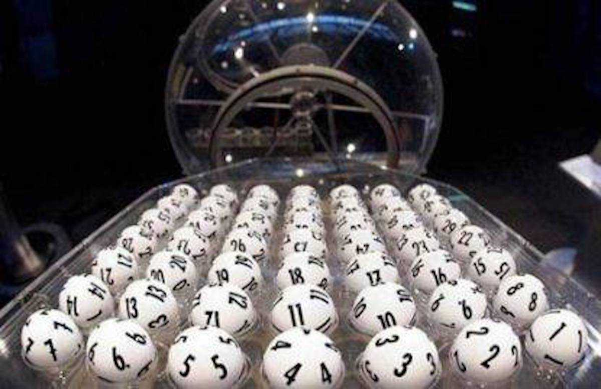 Итальянская лотерея superenalotto (6 из 90)