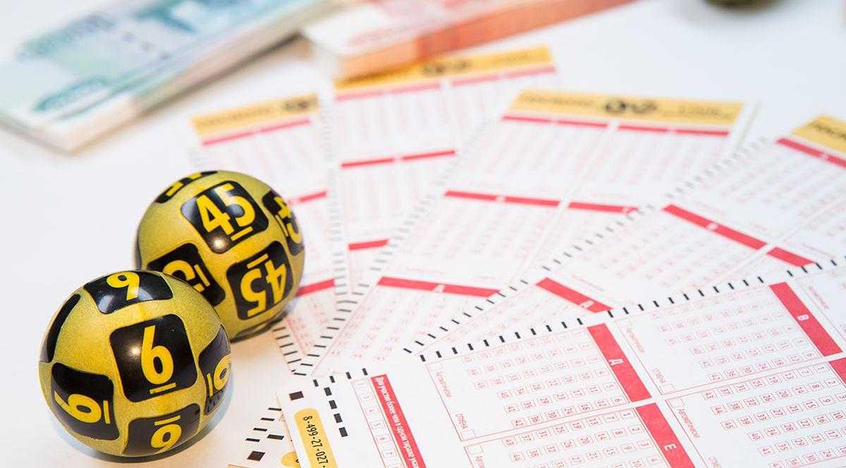 Шуточная лотерея для детей на новый год, день рождения, 23 февраля, 1 апреля в стихах с шуточными призами