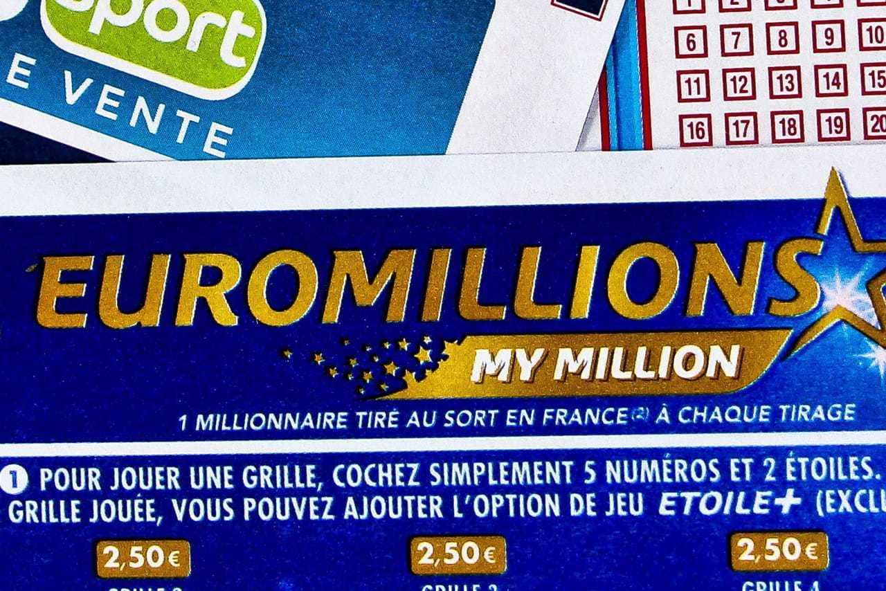 Французская лотерея euromillions and my million raffle (5 из 50 + 2 из 12)