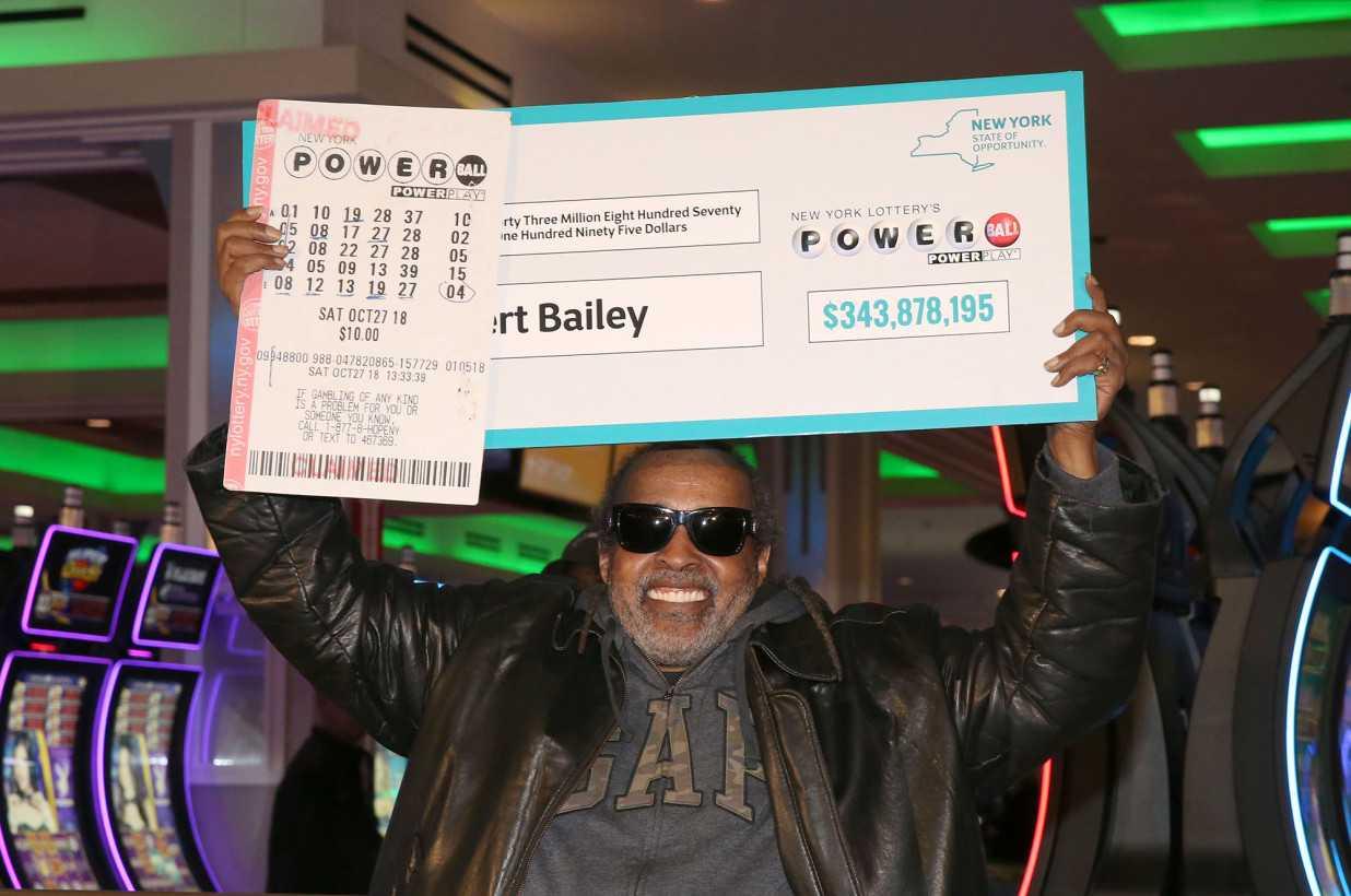 10 людей выигравших в лотерею крупную сумму денег