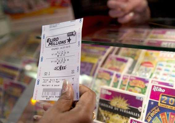 EuroMillions lotterieresultater | cirkulation: 1335 | 7 juli 2020