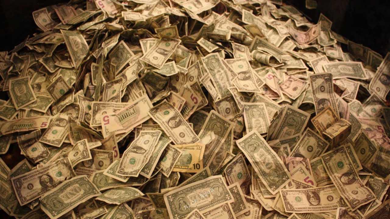 1500000 dollar (USD) i rubel (gnugga) för idag, hur mycket är 1500000 dollar till ryska rubel