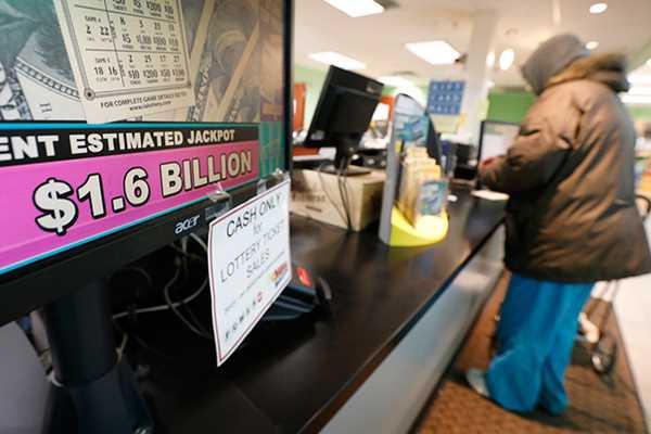 10 самых больших выигрышей в лотерею в россии и мире